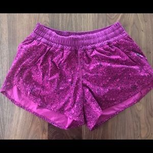 Lululemon Tracker Shorts - Magenta Purple